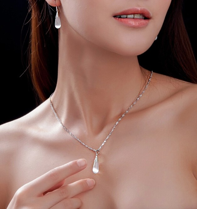 SS11043-1 S925 sterling silver drop tears stone necklace