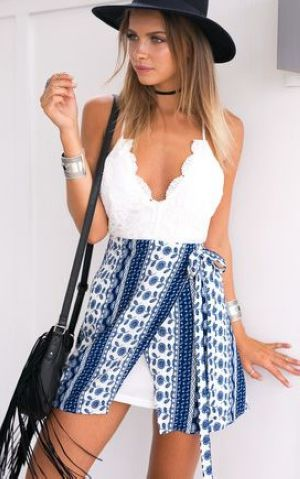 F2482 Deep V Neck Backless Print Dress