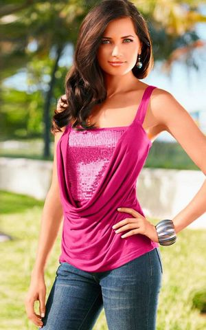 W25032-1 Chic Slim Fit Cami Top in Sequin Panel Front