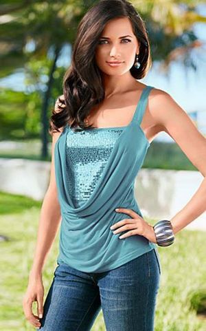 W25032-2 Chic Slim Fit Cami Top in Sequin Panel Front