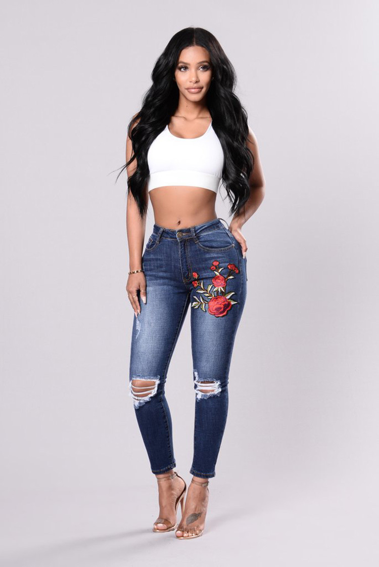 SZ60116 Womens Rose Embroidered Ripped Denim Skinny Jeans With Pocket