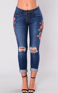 SZ60118 Womens Rose Embroidered Ripped Denim Skinny Jeans With Pocket